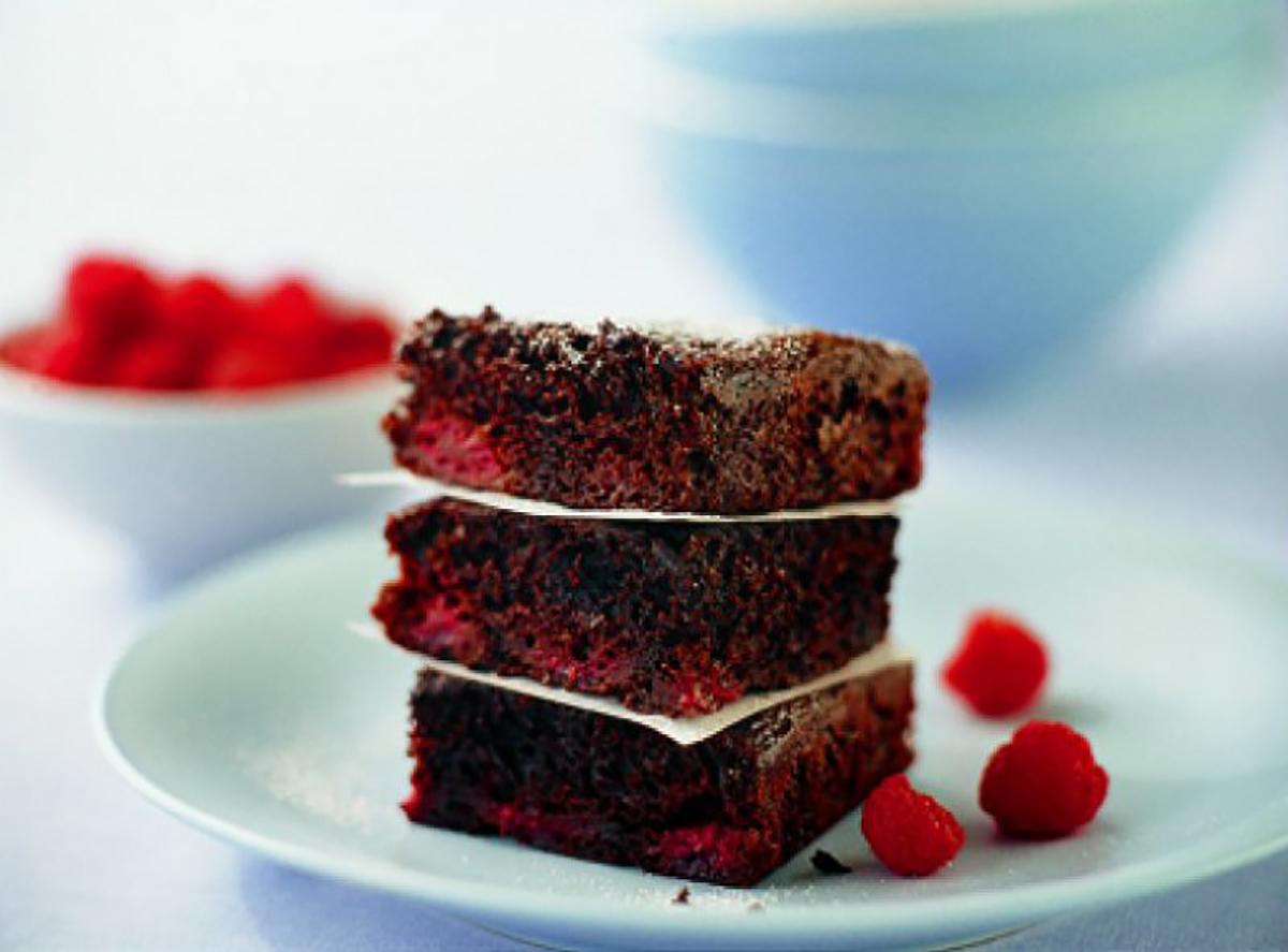 Chocolate berry slice