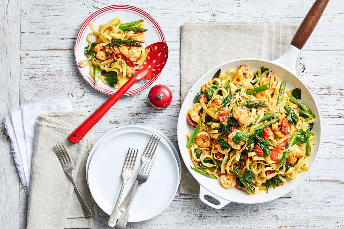 Garlic prawn and asparagus tagliatelle
